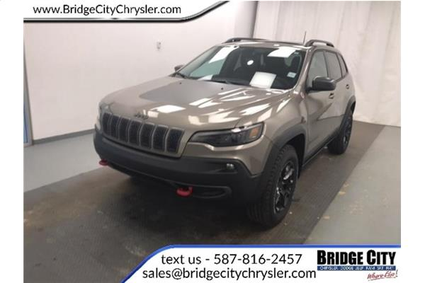 Jeep Cherokee Trailhawk Elite- NAV- Blind-Spot- Pano Sunroof! 2020